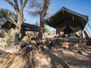 Schlafen im Tented Camp auf Motorradreise mit Afrikabiker in Namibia